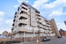 2 bed Apartment to rent in 1 Buckingham Gardens...