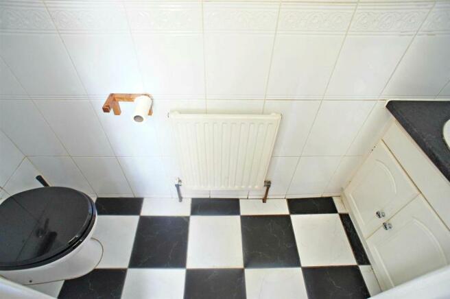 richmonddownstairswc.jpg