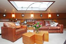 House Boat in St Katharine Docks for sale
