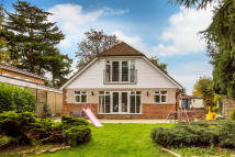 5 bed Detached property in Eglise Road, Warlingham...