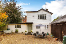 3 bedroom Detached property in Mill Hill, Edenbridge...