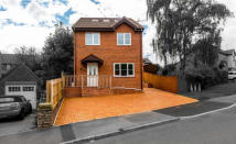4 bed Detached house in Harlech Drive, Rhiwderin...