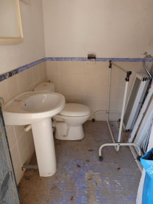Outbuilding bathroom