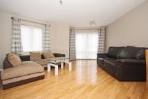 2 bedroom Flat in Grasgarth Close, Acton