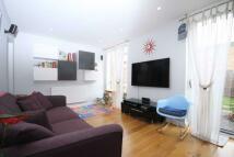 3 bedroom property to rent in Evesham Way, Battersea