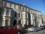 Flat to rent in Beauchamp Road, Battersea