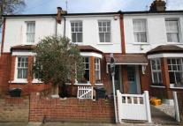 2 bed house to rent in Magnolia Road, Chiswick