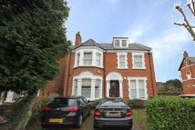 3 bed Flat in Mount Park Road