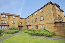 Flat to rent in Bay Court