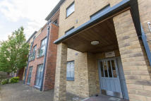 1 bedroom Flat to rent in Effra Parade Brixton...