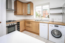 2 bed Flat in Muswell Hill Place...