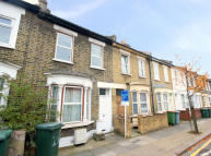 2 bedroom property to rent in Vernon Road, Stratford...