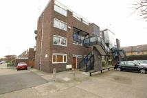 Flat to rent in Sanders Close...