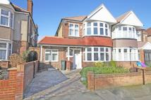 4 bed house in Burlington Road...