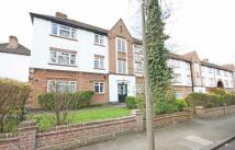 2 bedroom Flat in Manor Road, Twickenham