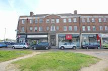 2 bed Flat in Hampton Court Parade...