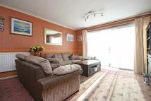 2 bed Flat in Wheatlands, Heston