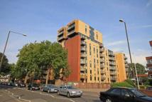 Flat to rent in London Road, Isleworth