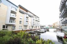 Flat to rent in Marina Place, Kingston