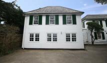 3 bedroom house in Kingston Hill