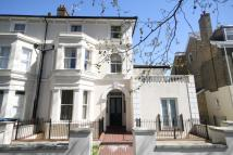 1 bed Flat in Grove Crescent