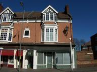 Flat to rent in Bridge Road, East Molesey