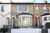 3 bedroom house to rent in Haldon Road, Wandsworth