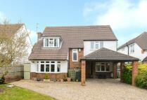 4 bedroom Detached home in Latchmoor Way...