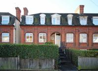 4 bed Flat to rent in Southcroft Road...
