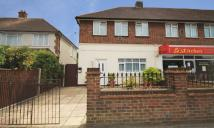 Flat to rent in Hook Rise South, Surbiton