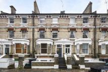 2 bed Flat to rent in St. Andrews Square...