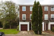 4 bed house to rent in Broom Park, Teddington