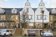 5 bedroom home in Admiralty Way, Teddington