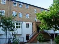 2 bedroom Flat to rent in Vauxhall Grove, Vauxhall
