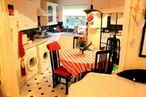 2 bed home to rent in Bennett Close, Northwood...