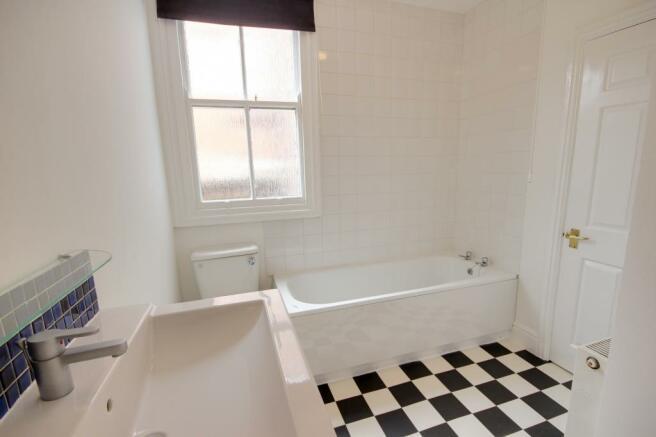 Bathroom (Bathroom)