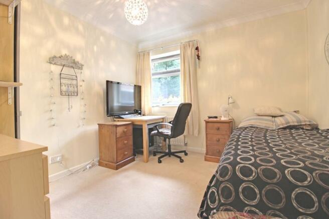 Bedroom 5 (Double)