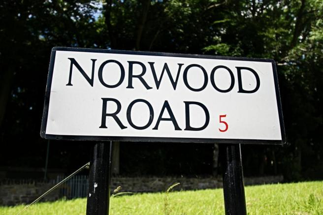 Norwood Road Sign