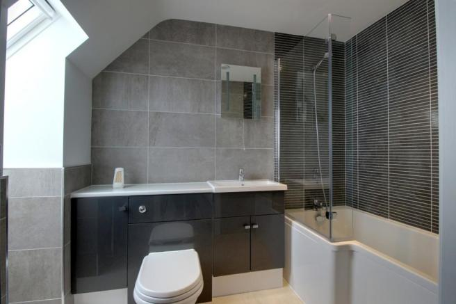 Ensuite to Bed 1