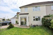 3 bedroom semi detached house to rent in Mayplace Avenue...