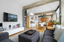 2 bed Apartment in Penfold St...