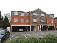 2 bedroom Apartment in Pines Court...