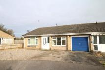 Semi-Detached Bungalow to rent in Cotswold Close, March