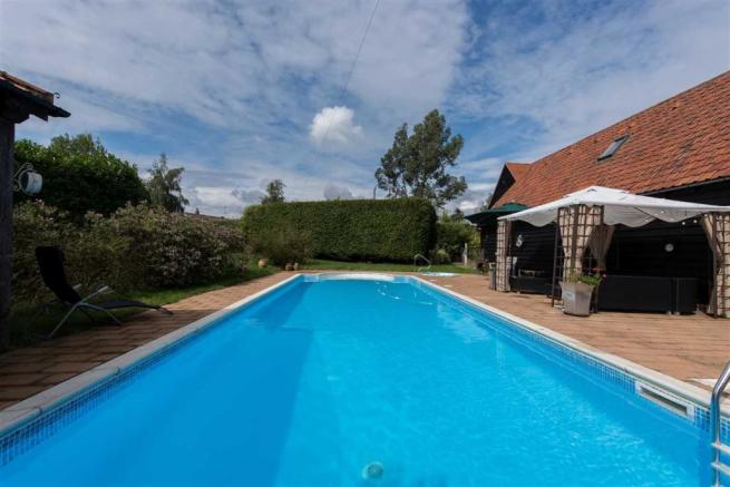 5 Bedroom Barn Conversion For Sale In Holly Tree Farm Barn Maldon Road Tiptree Heath Co5