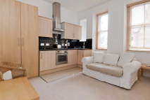 Flat to rent in Hay Hill, London, W1J