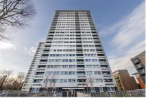 4 bed Flat to rent in Wellington Way, Bow...