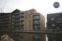 2 bed Flat in Canal Street...