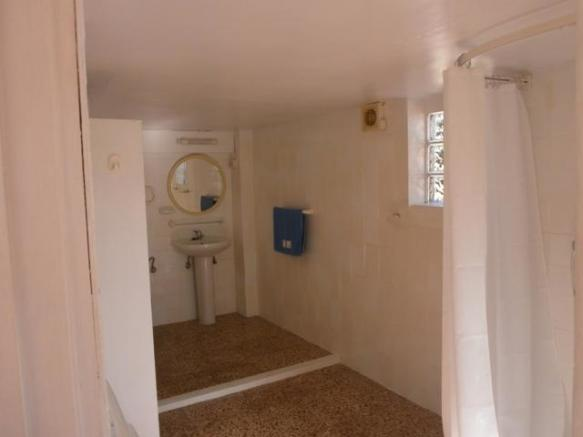 apart shower room