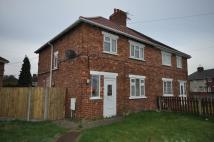 3 bedroom semi detached house to rent in Gainford Road, Moorends...
