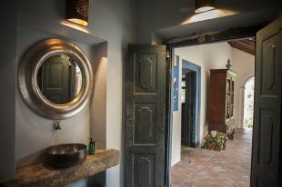 Courtyard Loo/Shower